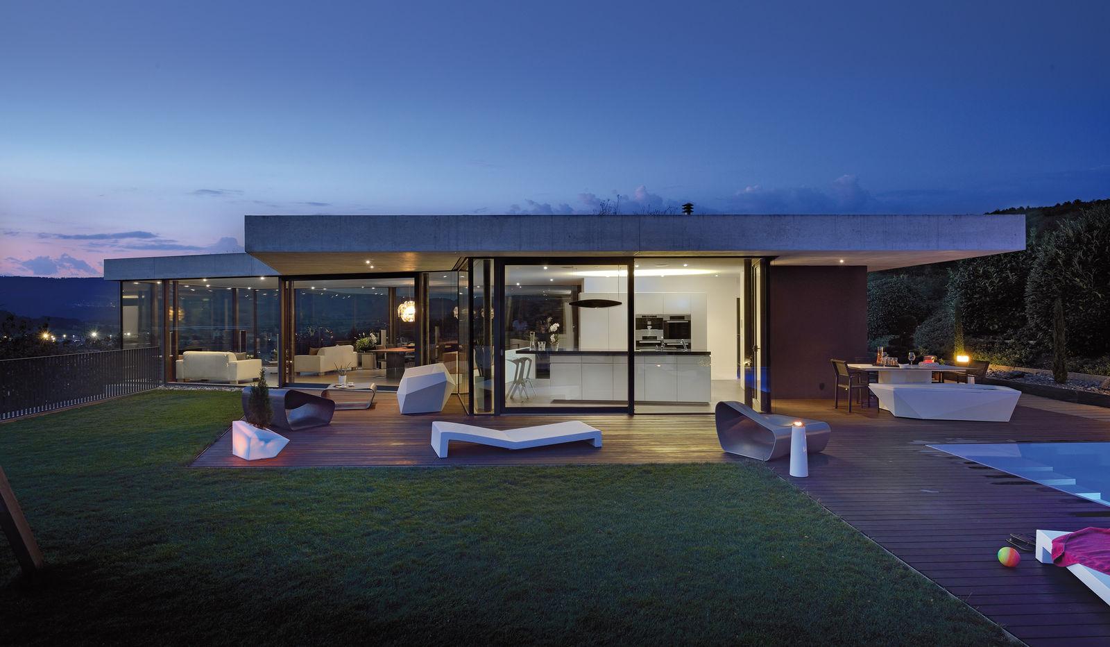 haus mit viel glas bauen wohn design. Black Bedroom Furniture Sets. Home Design Ideas